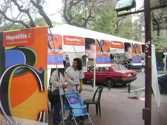 Mendoza, sin turno, test de hepatitis y vacunación